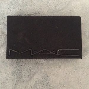 Mac face pallet, lip colors were tested